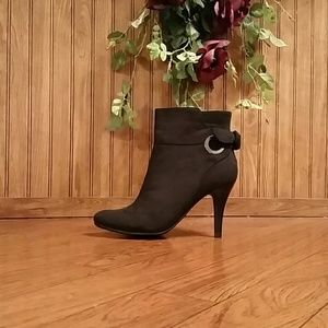 O Ring Bow Detail Ankle Boots